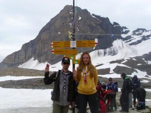 Ioana și Paul la 2690m (credit: Caro Kaunisaho, Finlanda)
